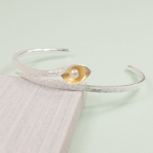Silver Snakeye Bangle with Pearl