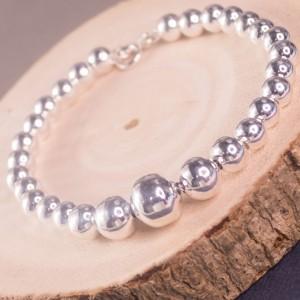 Silver Graduating Ball Bracelet