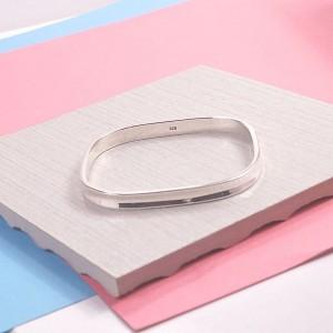 Silver Square Concave Banglev